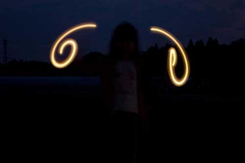 ライトで遊んでます