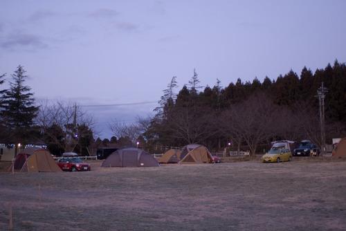 凍てつく寒さのテントサイト